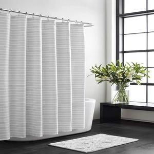 NWT Vera Wang stripe single shower curtain